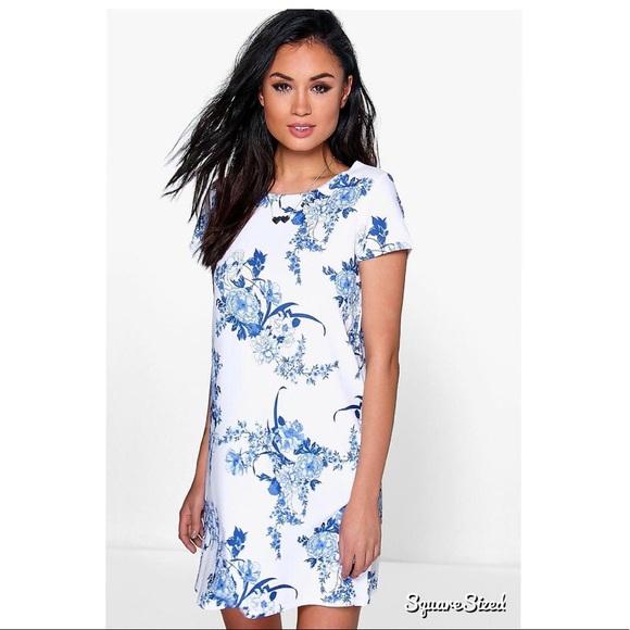 769377a6ffc Boohoo Dresses   Skirts - Boohoo Floral Cap Sleeve Dress Size 6 💙